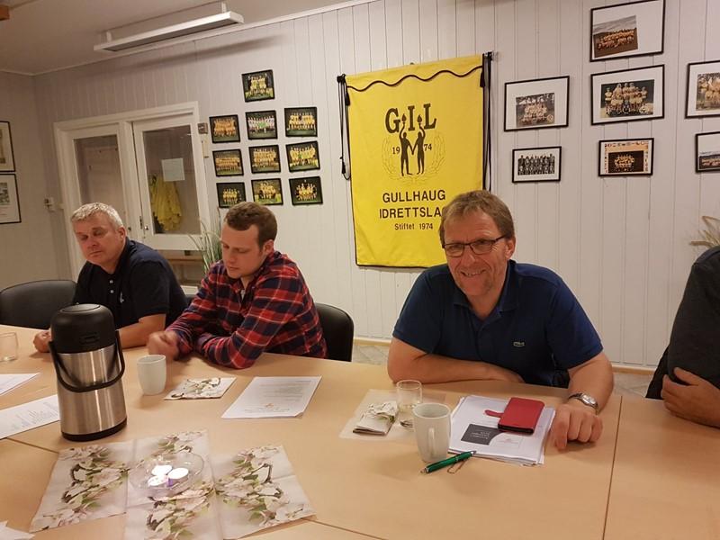 Thorleif er glad i å besøke lokallag. Her er han på årsmøte i Botne og Hillestad Bondelag