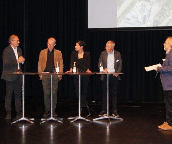 Innlederne ble samlet i et panel. Debatten ble ledet av Hans Huseby, leder i Jordvern Vestfold.