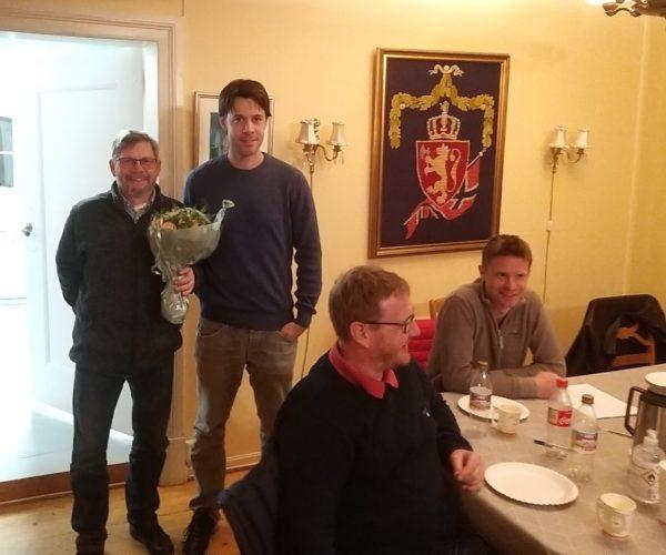 Leiv Tore Haugen gikk ut av styret og fikk takk og blomster