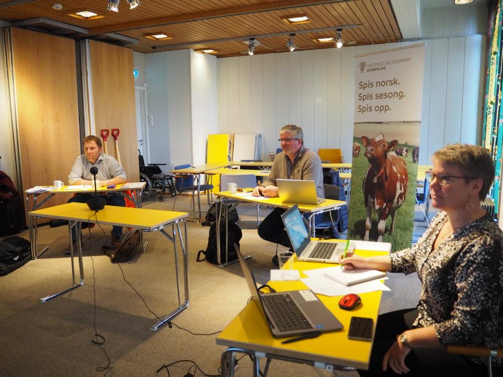 Leder Aslak Snarteland, nestleder Thorleif Müller og org sjef Elin Røed deltok i representantskapet fra Bø Hotell