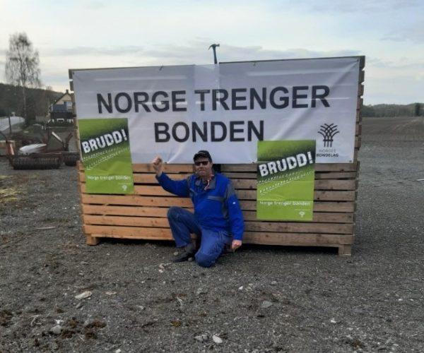 Torstein Lie i Hedrum Bondelag var raskt på pletten.